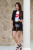 white graphic tj Designs t-shirt - black boyfriend BCBG blazer - black YSL bag