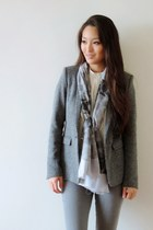 cream silk ann taylor blouse - heather gray leather ecco shoes