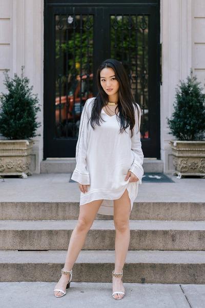gold choker JWholesale necklace - white little Chaser dress