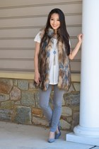 camel faux fur INC vest - heather gray skinny Theory jeans