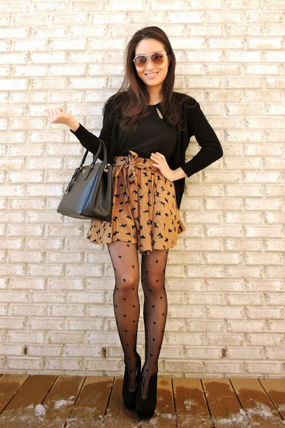black cutout ankle deb boots - black heart printed PERSUNMALL tights