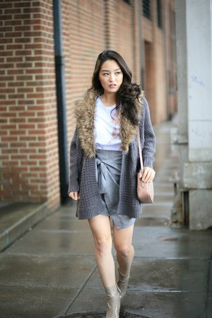 beige Nine West boots - heather gray tie front Zara skirt - white Zara t-shirt