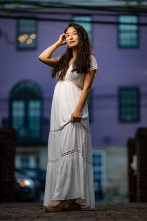 white plunge neckline Red Dress Boutique dress