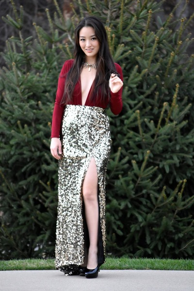 089bc6b633 gold sequin maxi Boohoo skirt - brick red Charlotte Russe top