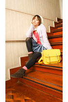 white hat - hot pink Bench Body shirt - yellow Glam-Rock Manila bag