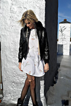 ivory mini vintage dress - black ankle boots Dolce Vita boots