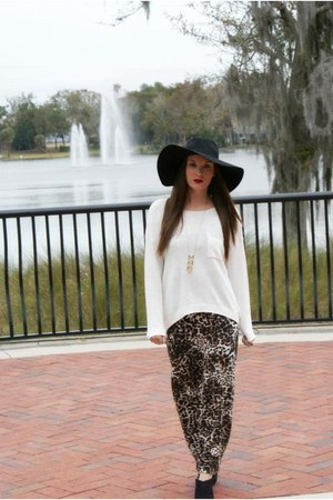 cream pocket H&M sweater - maxi leopard H&M dress - floppy hat wool H&M hat