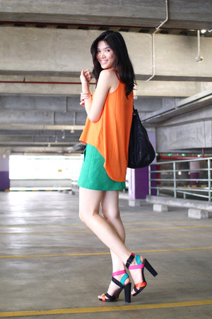 color block Zara heels - linear cut Zara skirt - asymmetrical Cotton Ink top