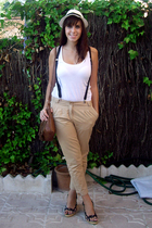 white stradivarius t-shirt - black blanco stock shoes - white h&m divided hat