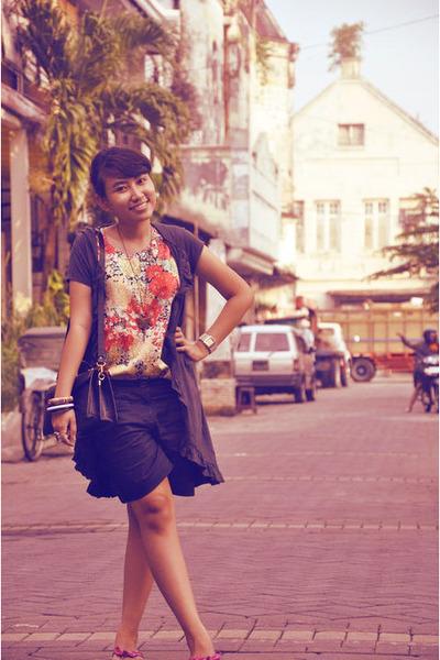 Dloops coat - red vintage top - black shorts - black vintage accessories