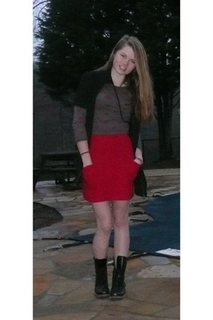 Target sweater - Forever21 necklace - C&C shirt - American Apparel skirt - doc m