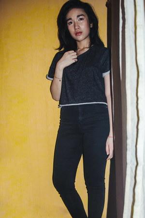 dark gray H&M t-shirt - black next pants
