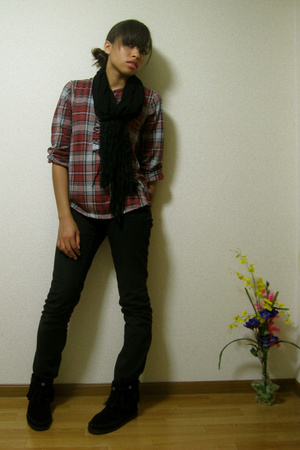 Muji blouse - H&amp;M jeans - H&amp;M scarf - Minnetonka shoes