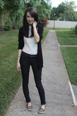 black jeans cargidan Forever 21 jeans - ivory lace collar Forever 21 blouse