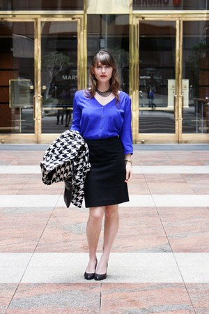 black J Crew skirt - blue Amour Vert top - black leather pumps corso como pumps
