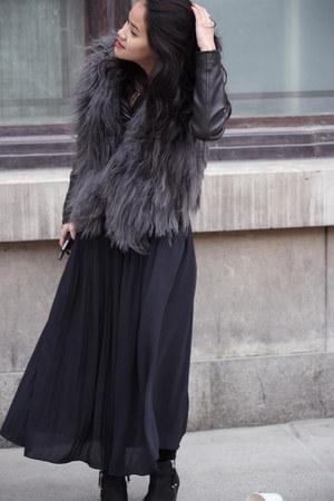 H&M skirt - ambush boots Topshop boots