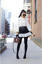 Sweater sweater - Bag bag - sunnies sunglasses - heels heels