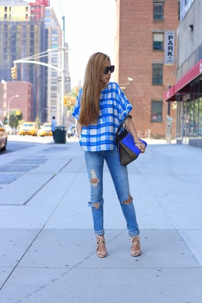 Bag bag - Jeans jeans - sunglasses sunglasses - Shoes wedges - Top top