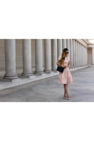 Bag bag - Dress dress - sunglasses sunglasses - heels heels - brooch accessories