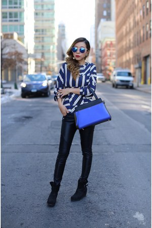 Bag bag - Wedge booties boots - sunglasses sunglasses - Top blouse