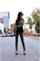 hat hat - Jeans jeans - Sweater sweater - Bag bag - heels heels