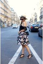only 47 Skirt skirt - hat hat - Bag bag - sunglasses sunglasses - Top top
