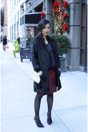 Skirt skirt - coat coat - Bag bag - gloves gloves - heels heels