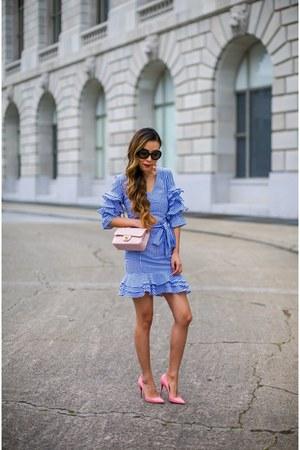 Bag bag - Dress dress - sunglasses sunglasses - Earrings earrings - heels heels