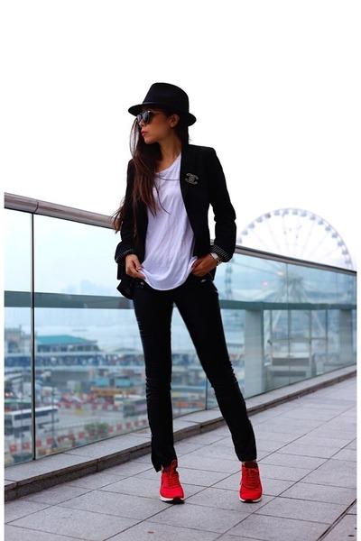 hat hat - Blazer blazer - sunglasses sunglasses - pants pants - Tee t-shirt