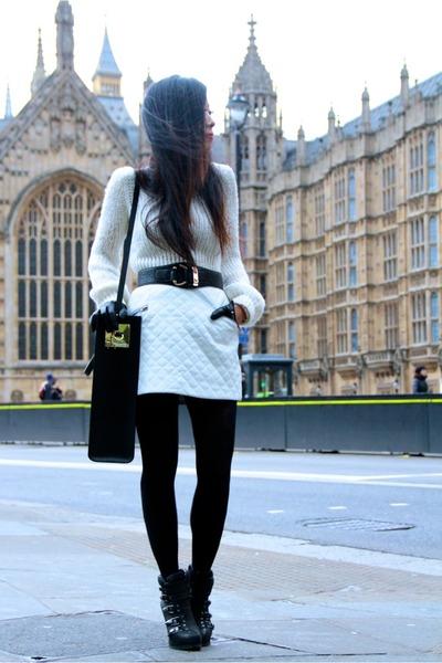 Skirt shirt - Bag bag - necklace accessories