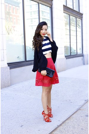 Skirt skirt - clutch bag - heels heels - ring ring - Top top