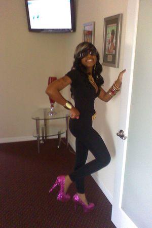 pink Bordello Pumps shoes - black AA Jumpsuit - Bebe belt