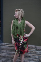 holey scarf ShawtynStilettos scarf - vera wang dress