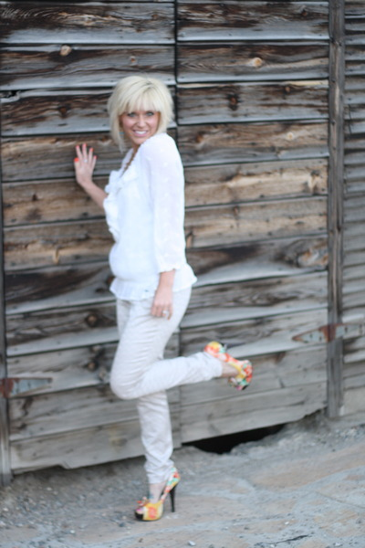 ivory sheer abercrombie and fitch blouse - eggshell H&M pants