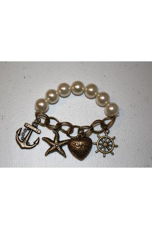 pearls charms bracelet