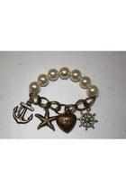 Pearls-charms-bracelet