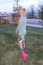 olive green floral ShawtynStilettos leggings - hot pink patent Forever 21 boots