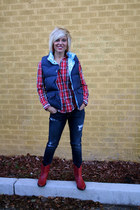 ruby red plaid Abercrombie top - jeggings American Eagle pants - Old Navy vest