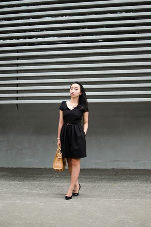 black Mango dress - bronze Michael Kors bag
