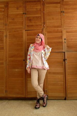 floral Dr Martens boots - floral Zara blazer - Mango pants - cottonink t-shirt