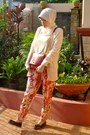 Red-ciciero-bag-peach-mango-cardigan-floral-nikicio-pants