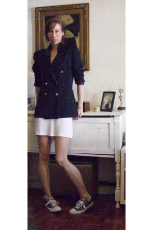 Halston blazer - dress - Converse shoes