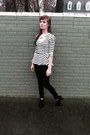 Black-high-rise-american-eagle-jeans-white-striped-peplum-forever-21-shirt