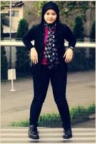 black Dr Martens boots - black jeans - black jacket - gray scarf