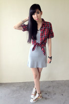 red shirt - heather gray dress - peach floral print new look sneakers