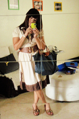 Betsey Johnson dress - longchamp purse - coach shoes - amanda bynes necklace