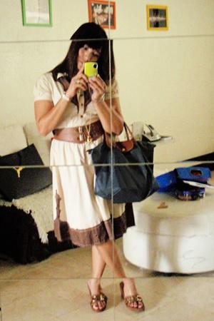 Betsey Johnson dress - longchamp purse - coach shoes - amanda bynes necklace