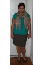 green merona t-shirt - brown New York & Company skirt - silver merona shoes - be