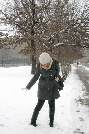 Uniqlo coat - Cheap Monday jeans - vintage from etsy boots - H&M hat - magaschon