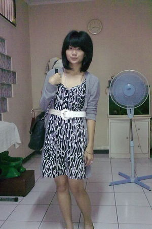 gray cardigan - white belt - black purse - black dress - pink accessories